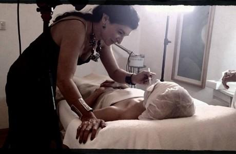 """תוך כדי צילומים עבור קרן מעגלים במלון ישרוטל , היה צורך לתקן קצת את """"הטיפול"""""""